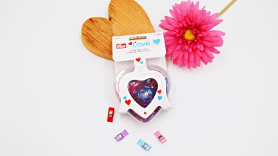 Prym Love Heart, 40 Stoff Clips, transparente Herzdose